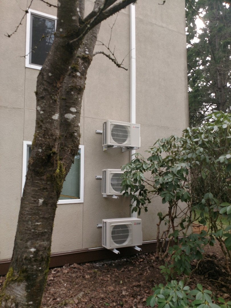 Tacoma, WA - Installed a new Mitsubishi Heat Pump to efficiently provide heating and cooling to the home.