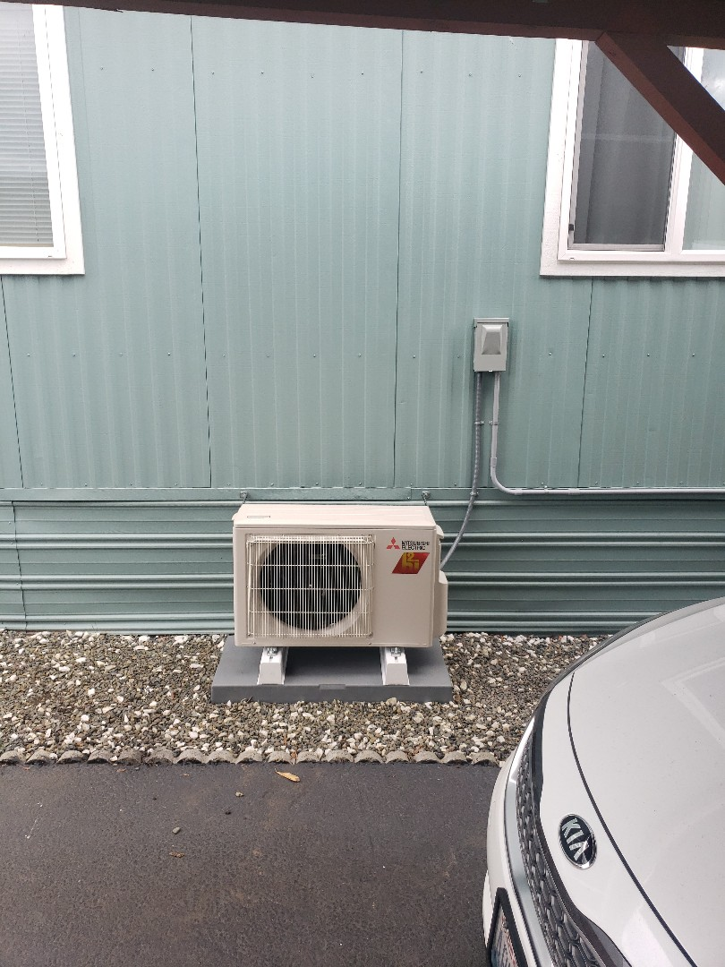 Puyallup, WA - Installed a 12k Mitsubishi heatpump.