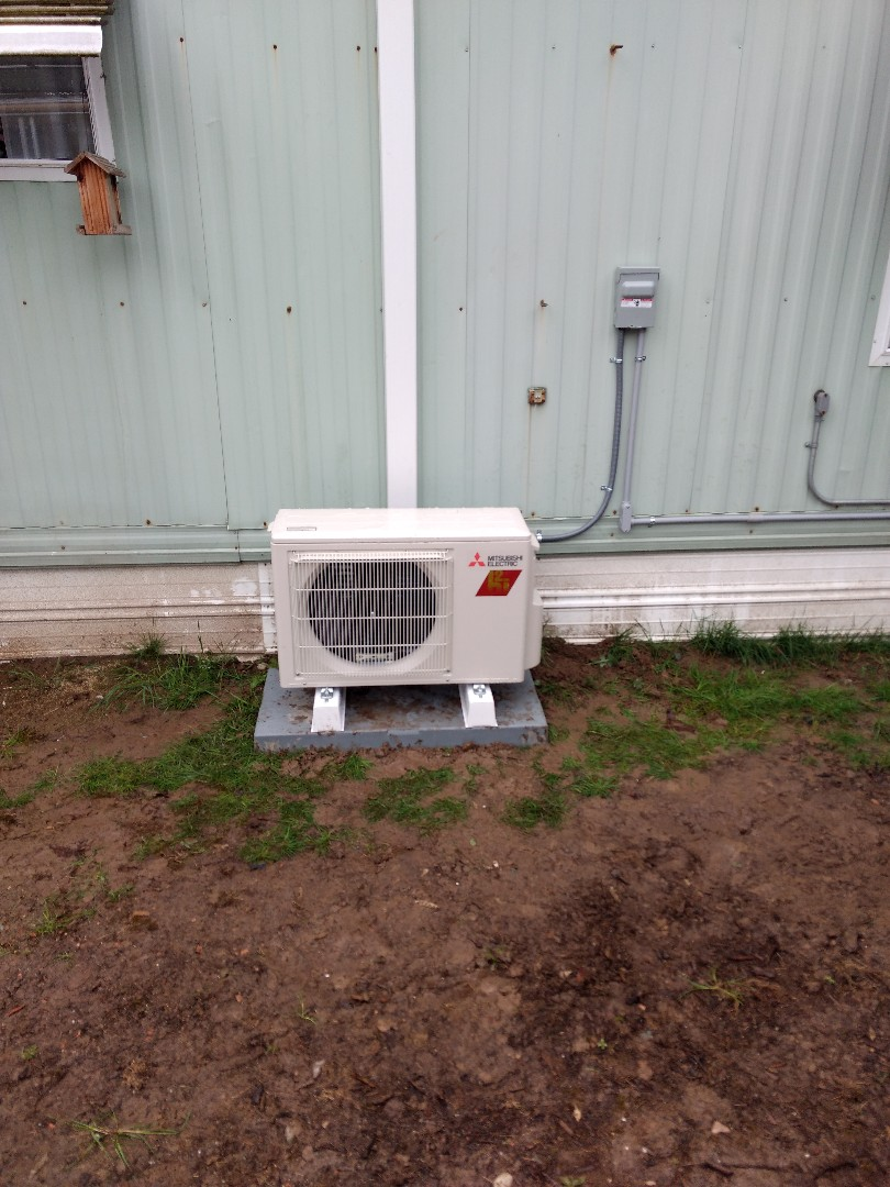 Puyallup, WA - Mitsubishi single head ductless heat pump installation