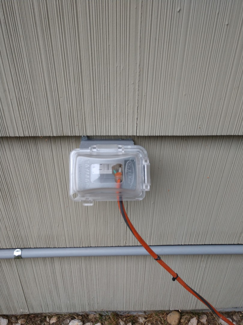 Tacoma, WA - Exterior service outlet install
