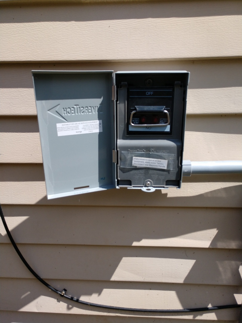 Kent, WA - Service disconnect installation for heat pump