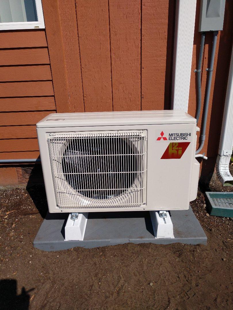 Tacoma, WA - Mitsubishi ductless heat pump installation