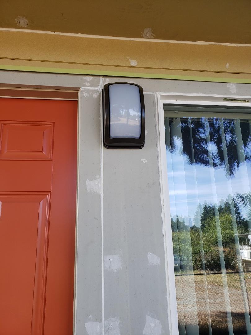 Auburn, WA - Upgrading porch lights with LED