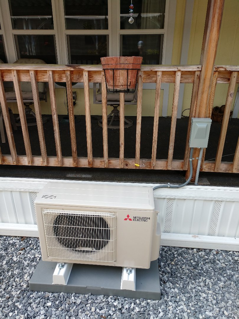 Auburn, WA - Single head Mitsubishi ductless heat pump installation