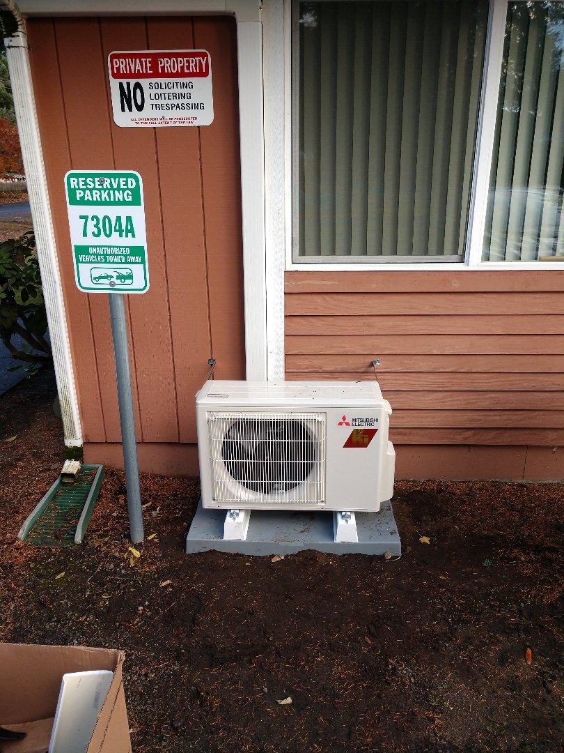 Lakewood, WA - Mitsubishi ductless heat pump installation