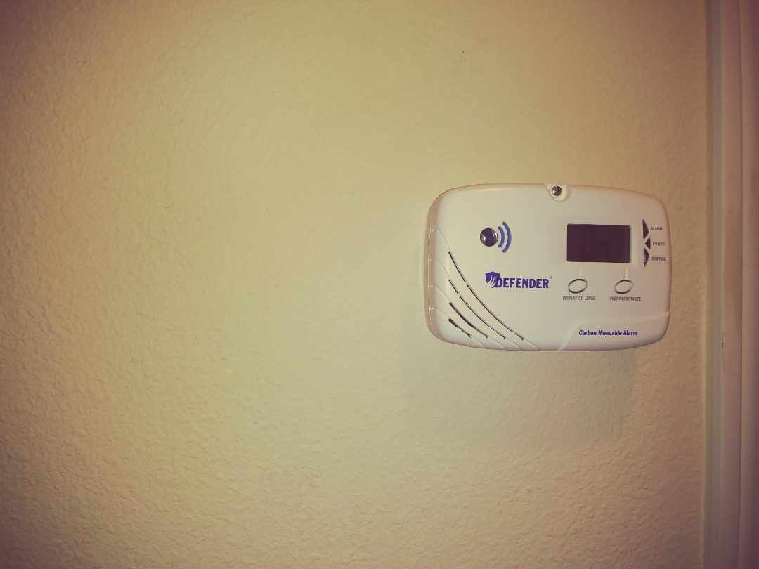 Sumner, WA - This new CO2 detector will not need any service or maintenance until 2028 it's going to keep everyone safe and sound! Along with the smoke detector in every main living space this family is set!