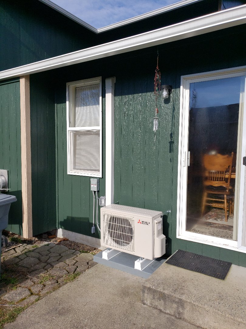 Puyallup, WA - Installing 12k ductless heat pump for contest winner