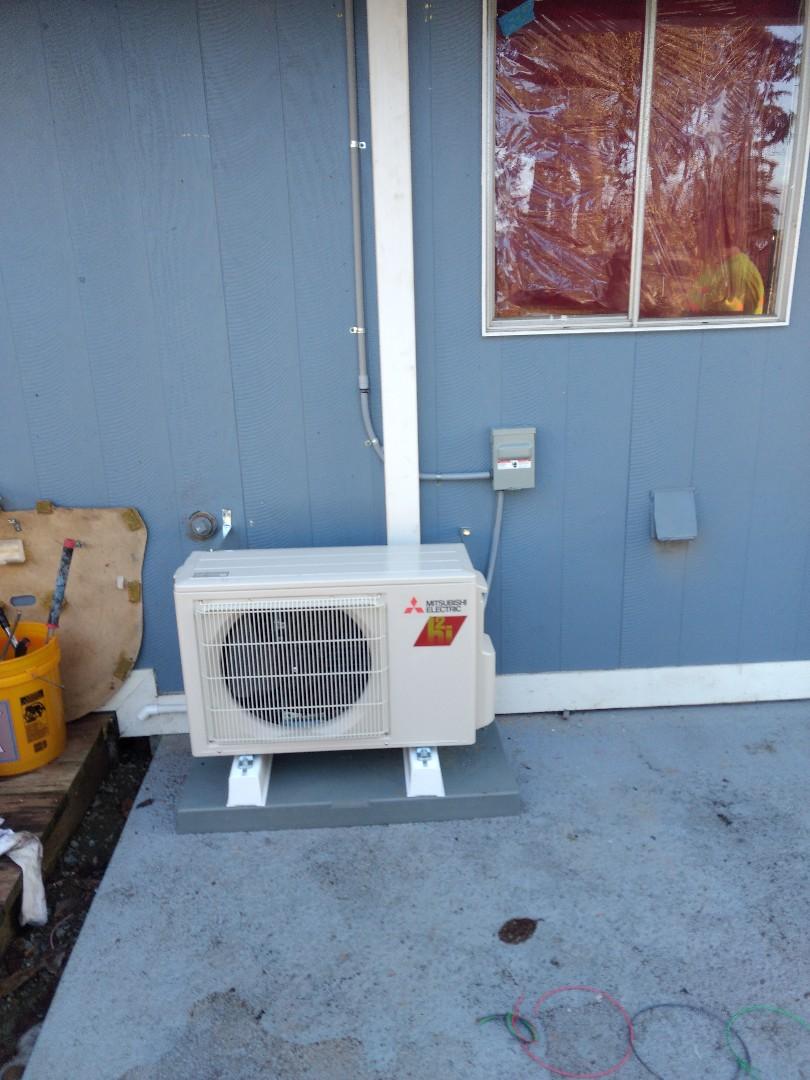 Spanaway, WA - Energy efficient Mitsubishi ductless heat pump installation