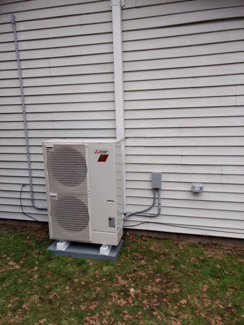 Spanaway, WA - Energy efficient Mitsubishi heat pump with air handler installation
