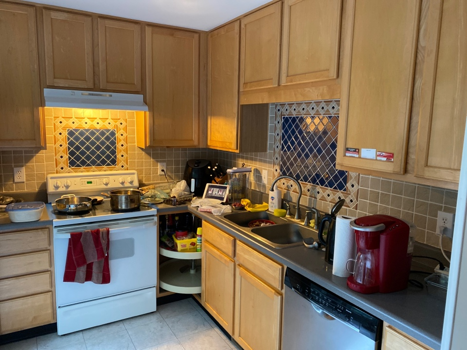 Raleigh, NC - Customer also wants to install new kitchen cabinets along with stone countertops