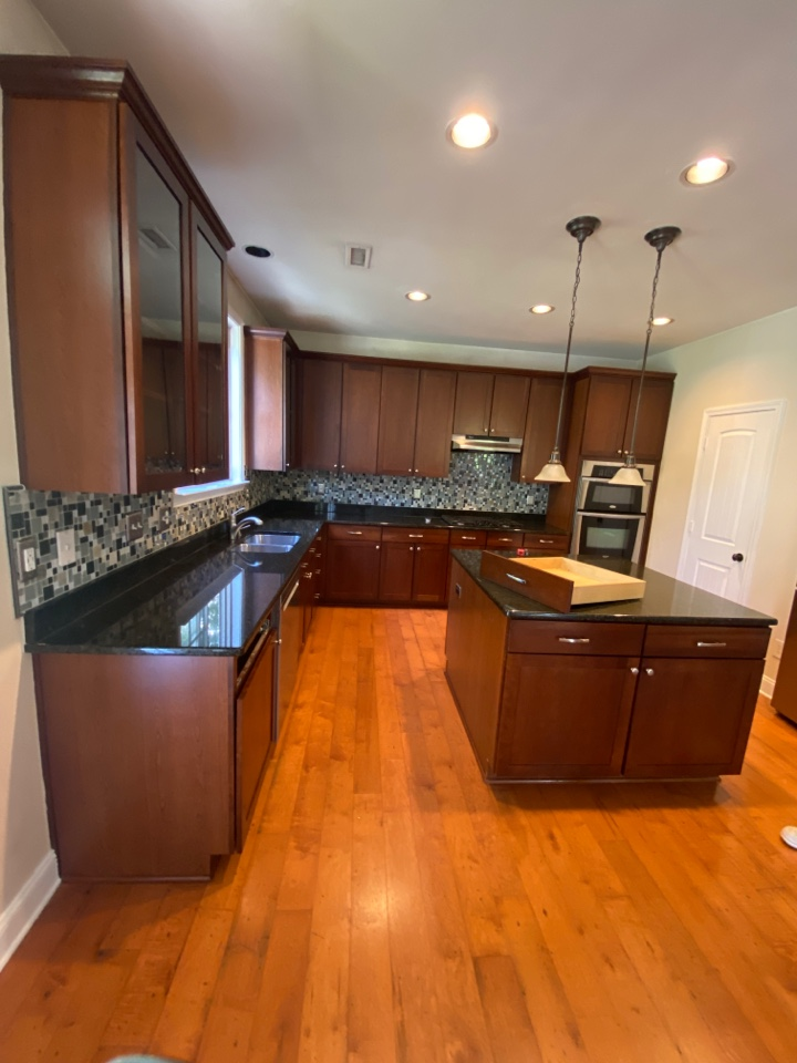 Cary, NC - Relabeling corner kitchen with new quartz tops