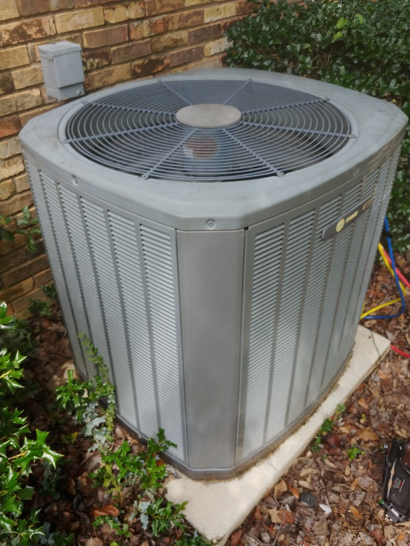 Denton, TX - Ac service on Trane unit.