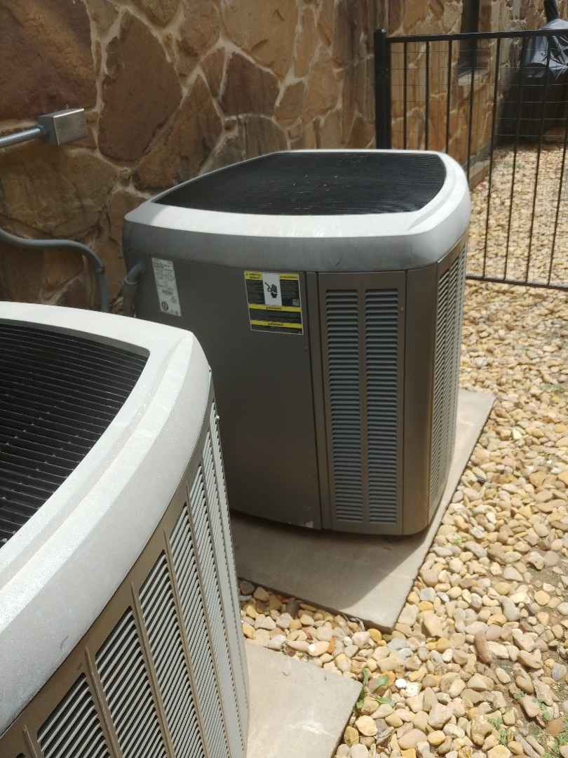 Denton, TX - Ac service on Lennox units.