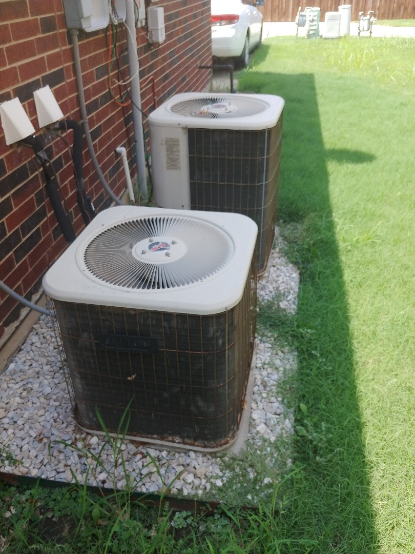 The Colony, TX - Ac service on Lennox unit.