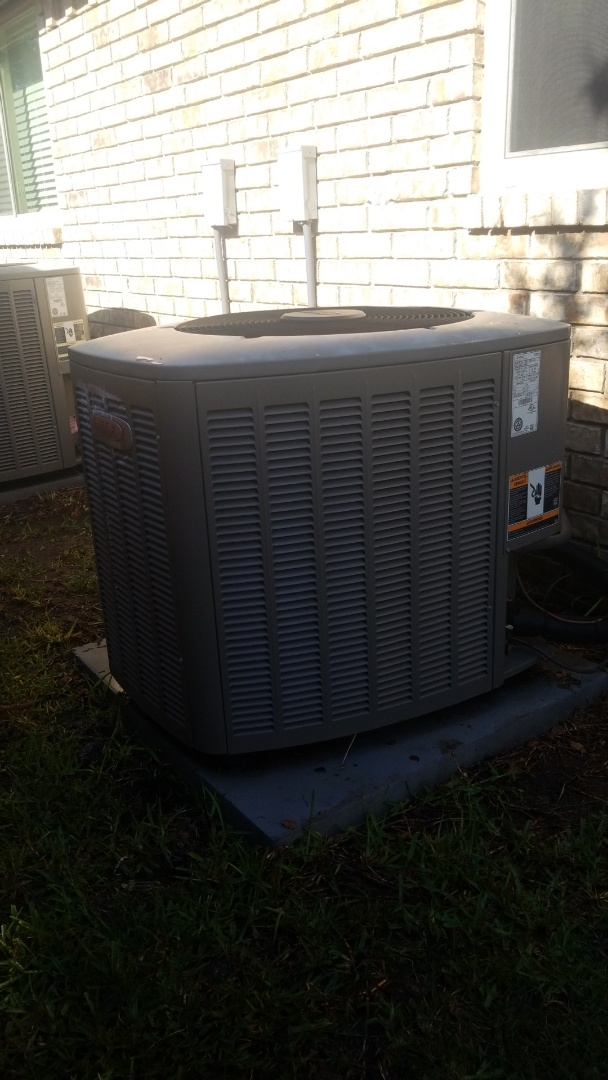 Lewisville, TX - AC maintenance call. Preformed AC tune up on lennox comfort system.