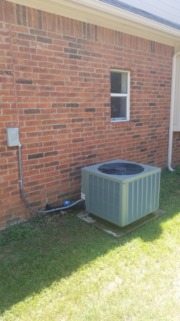 Flower Mound, TX - AC maintenance call. Preformed AC tune up on RUUD system.