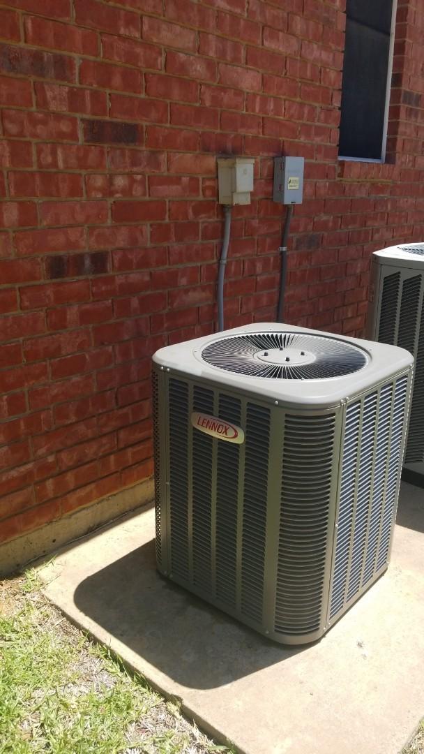 Highland Village, TX - AC maintenance call. Preformed AC tune up on lennox comfort system.