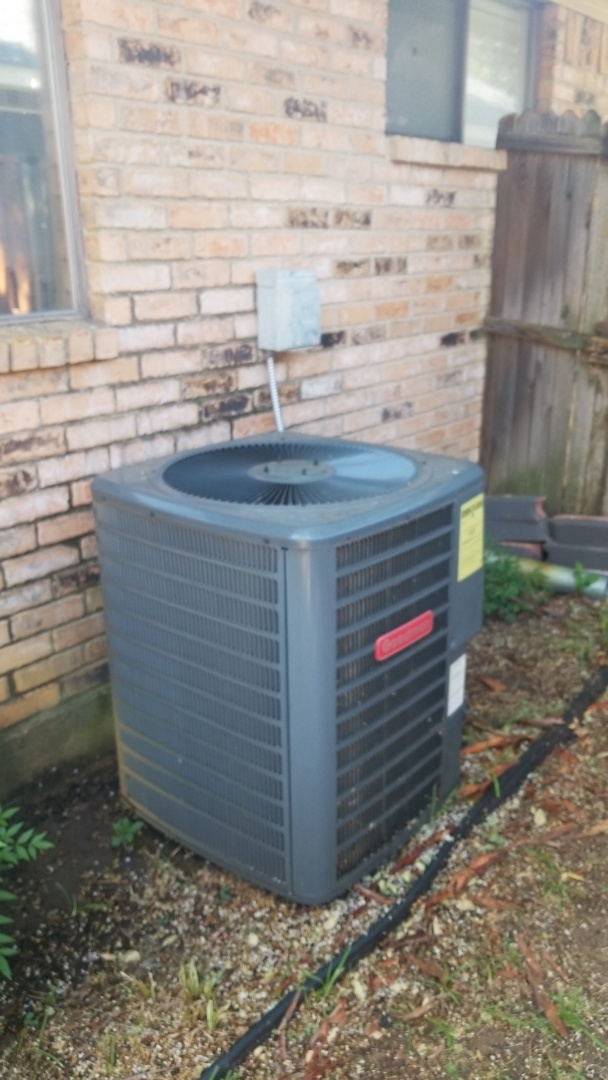 Highland Village, TX - AC maintenance call. Preformed AC tune up on Goodman system.
