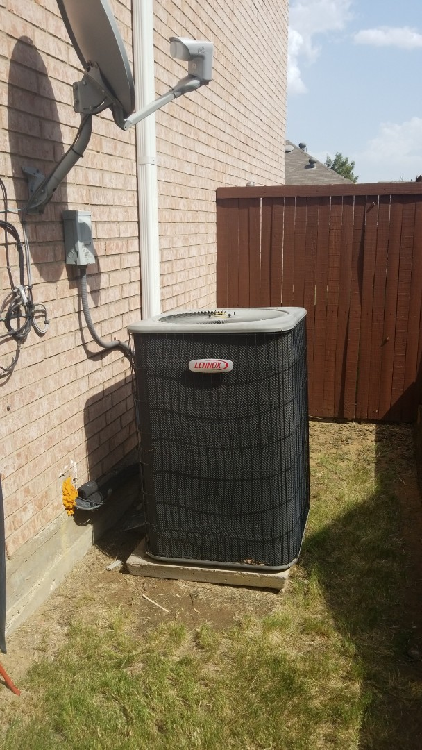 Flower Mound, TX - AC repair call. Preformed AC repair on Lennox comfort system.