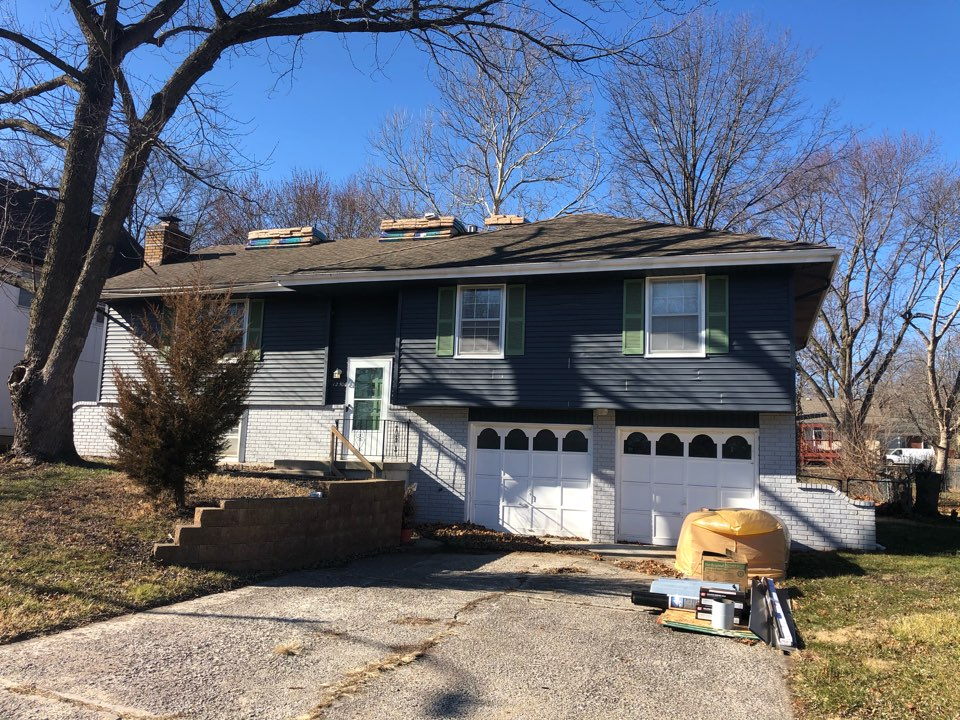 Grandview, MO - Roof replacement and insurance claim