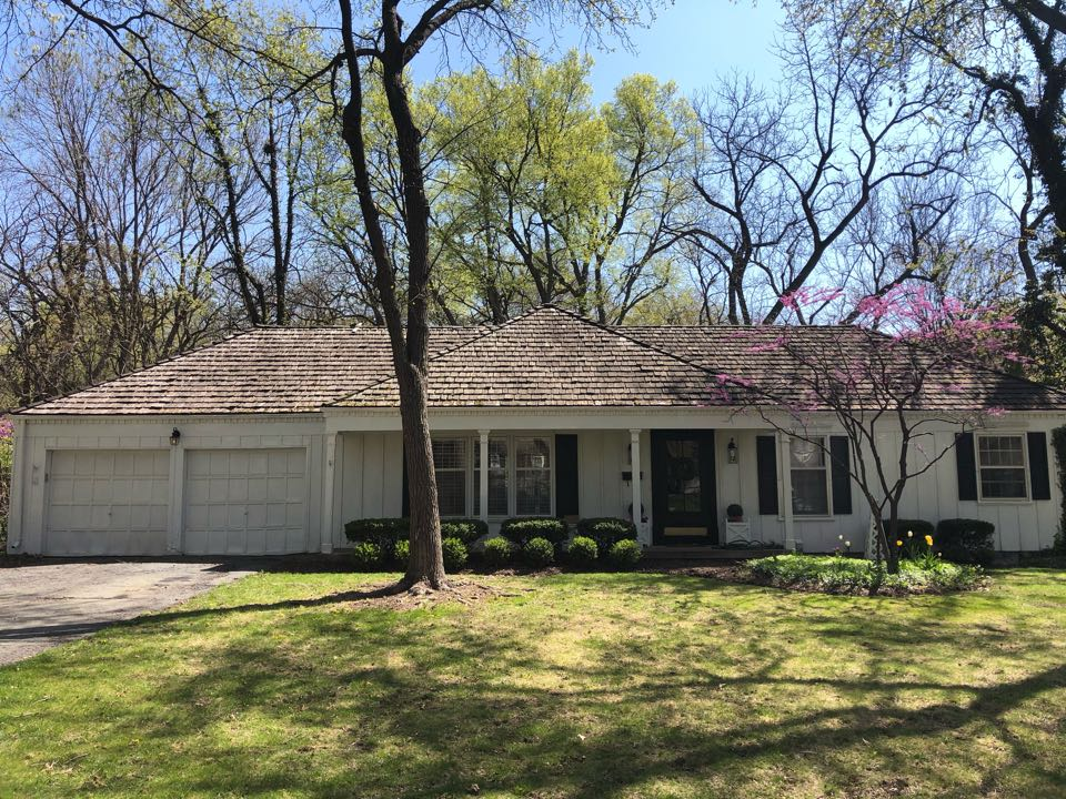 Leawood, KS - Wood shake roof replacement Leawood