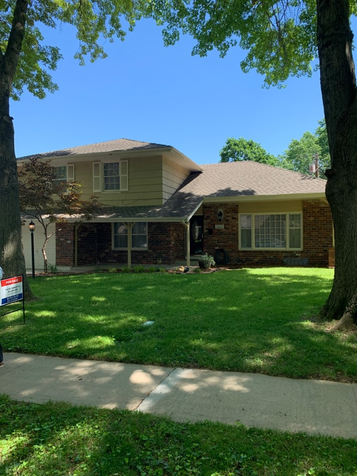 Lee's Summit, MO - Roof inspection and estimate.
