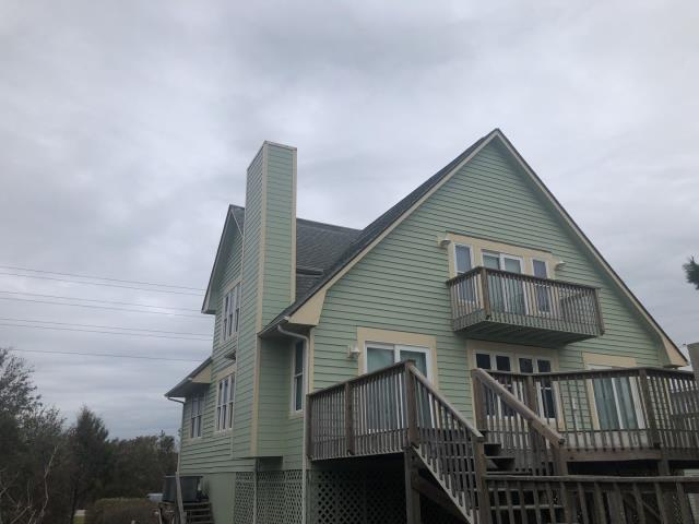 North Topsail Beach, NC - GAF Timberline HD shingle replacement. 130MPH specs