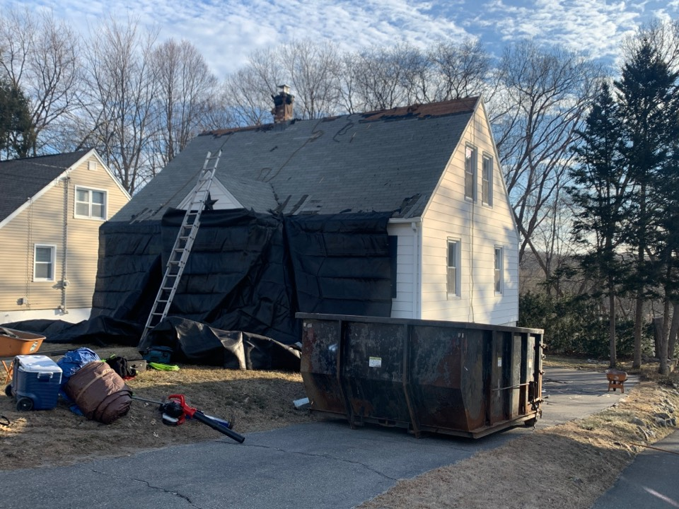 Waterbury, CT - Roof instillation for a GAF timberline HDZ asphalt roof replacement by the best GAF contractor near you   Roof repair Roof estimate