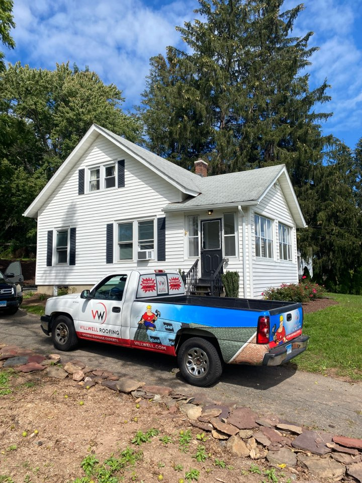 Bloomfield, CT - Roof inspection/replacement for a GAF Timberline HDZ asphalt roof replacement by the best GAF contractor near you.