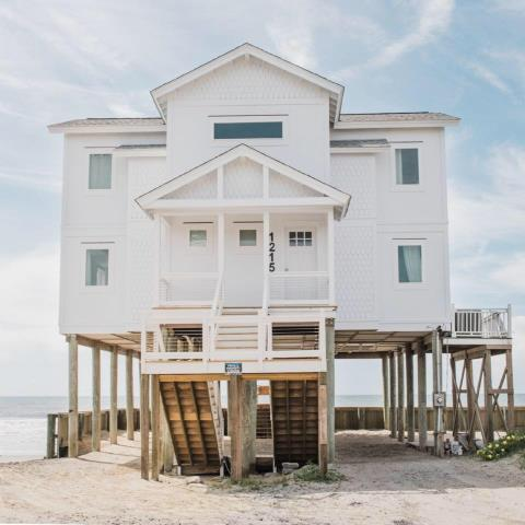 Folly Beach, SC - We applied our exterior coating to the Hardie Plank and trim of this beautiful beach home in Folly Beach.