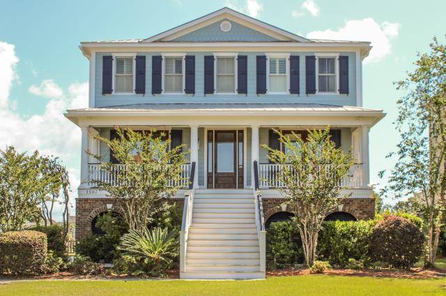 Mount Pleasant, SC - This gorgeous Mt Pleasant home was coated with Rhino Shield on the Hardie Plank and trim areas.