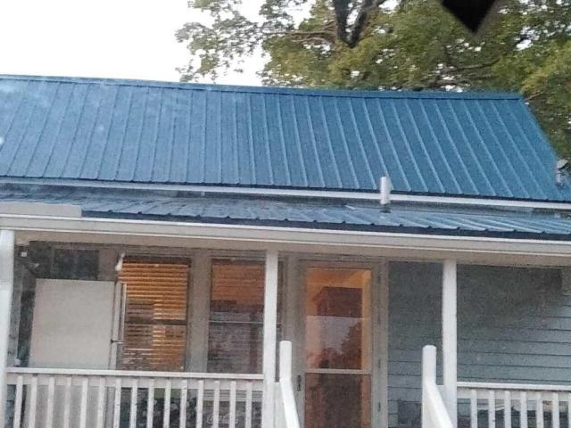 Franklinton, NC - We are installing a new metal roof on this house in Franklinton, NC