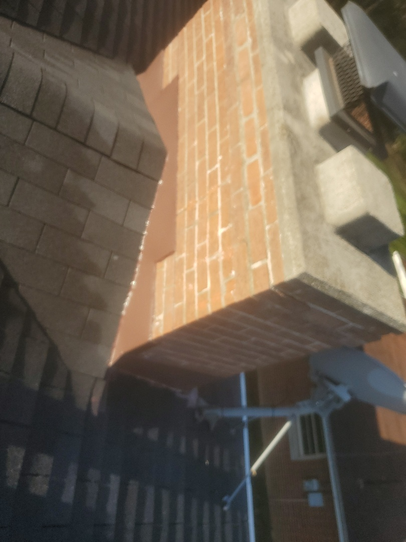 Middletown, OH - Spraying chimney with masonry saver