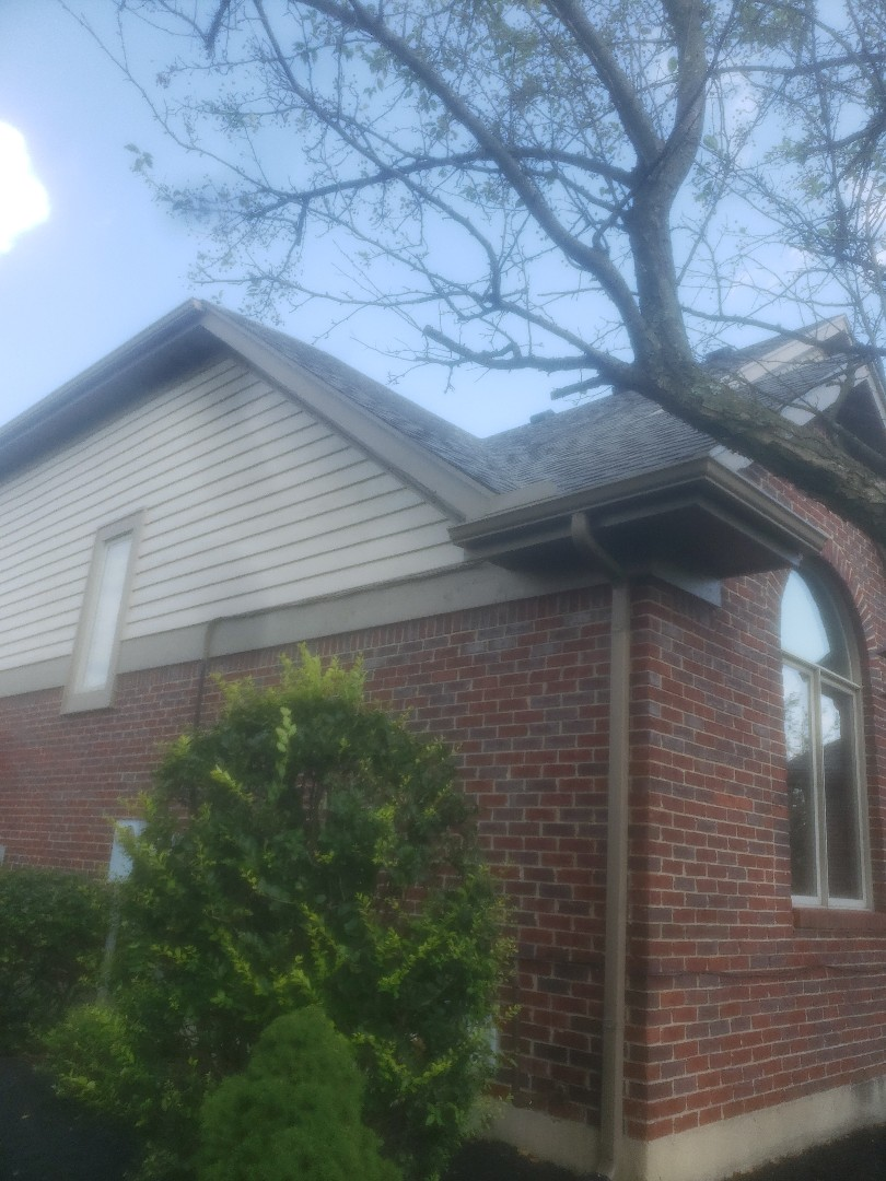 Vandalia, OH - New shingles in valley both under and over