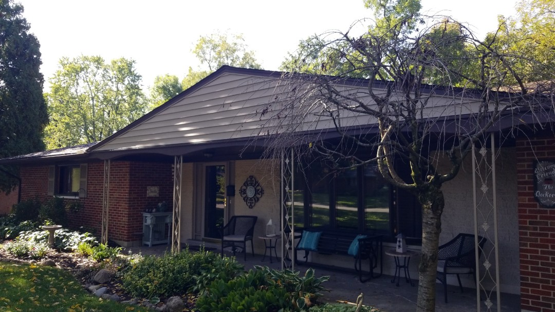 Kettering, OH - Certainteed Landmark roof replacement and Mastic siding in Kettering,  OH