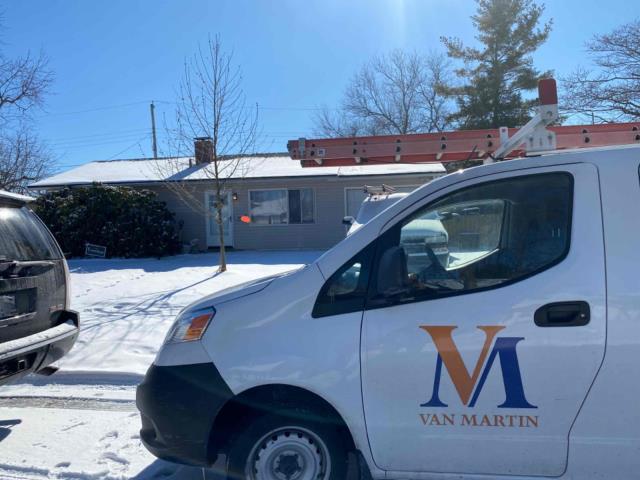 Xenia, OH - Free estimate for shingle roof replacement in Xenia, Ohio.
