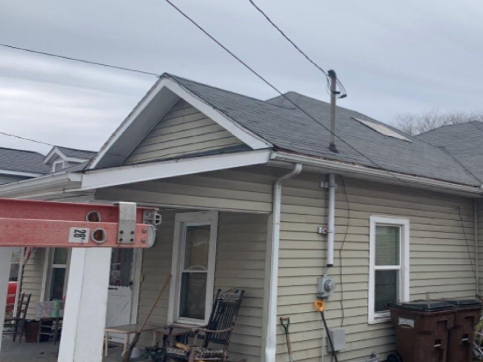 Xenia, OH - Providing a free shingle roof replacement estimate in Xenia, Ohio.