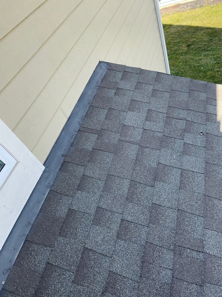 Bellbrook, OH - Shingle roof leak inspection and estimate in Bellbrook, Ohio.