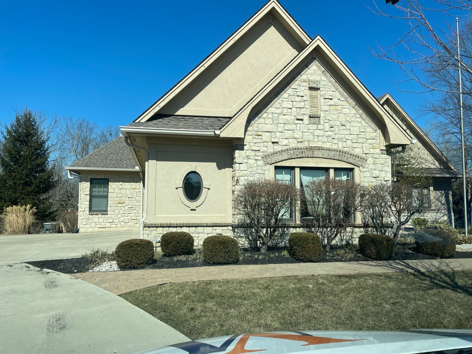 Centerville, OH - Free estimate to fix leaking gutters and asphalt roof in Centerville, OH.