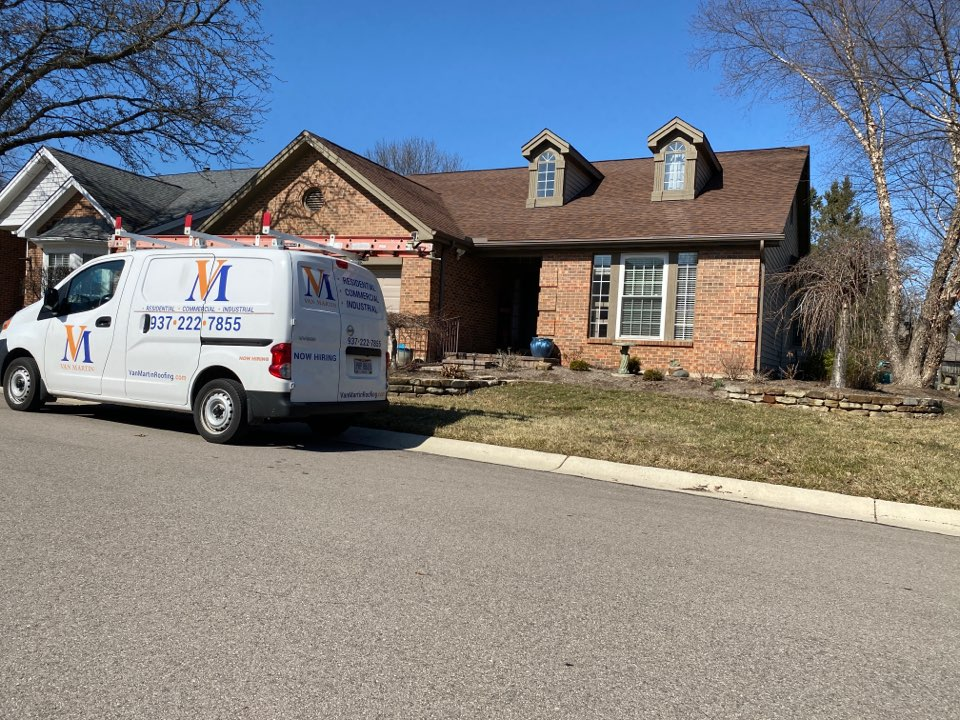 Dayton, OH - Meeting with a customer for a roof repair