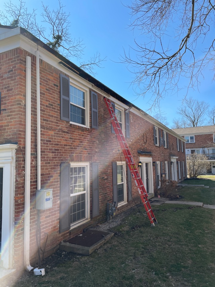 Kettering, OH - Free estimate to replace damaged gutters  and fascia boards in Dayton, OH.