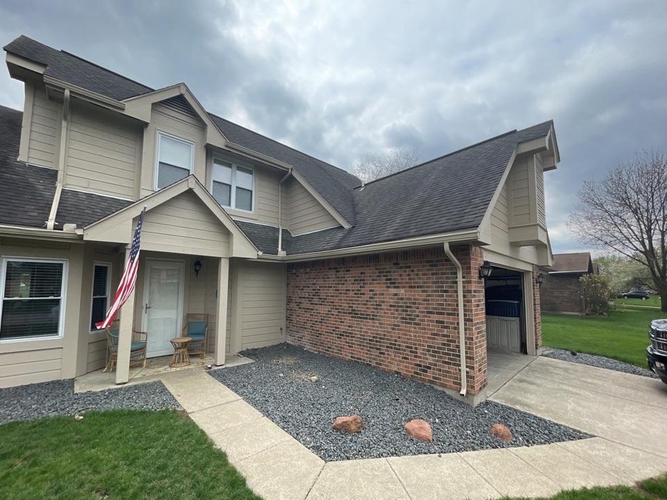 Englewood, OH - Free estimate to repair leaking roof in Dayton,OH.