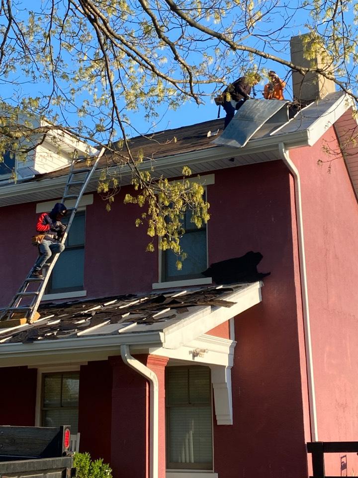 Lebanon, OH - New roof installation using CertainTeed Landmark shingles in Lebanon, Ohio.