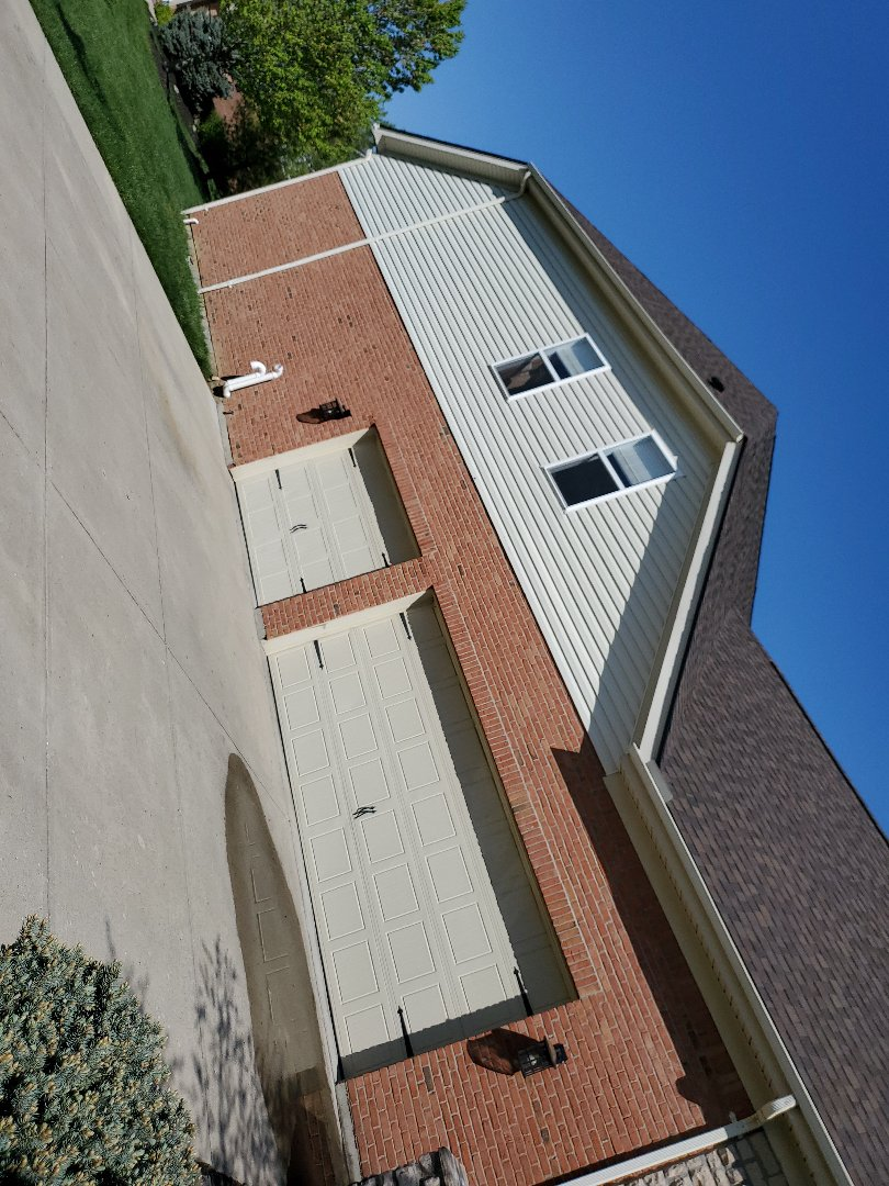 Middletown, OH - Inspecting a CertainTeed shingle roof installation in Middletown, Ohio.