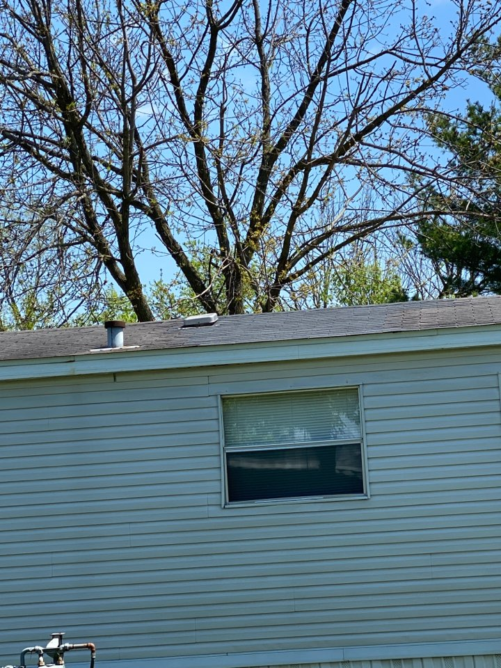 Medway, OH - Shingle roof repair using Certainteed XT 25 shingles in Midway, Ohio.