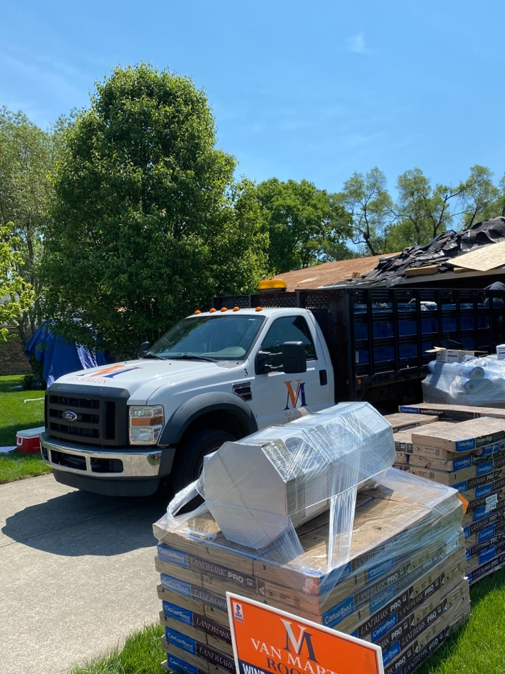 Englewood, OH - 5 Star full roof replacement using CertainTeed Landmark shingles in Englewood, Ohio.