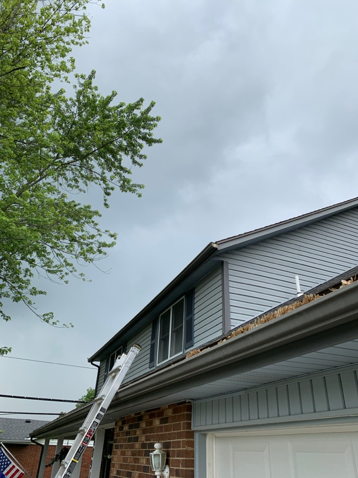Englewood, OH - Reattaching facia metal and gutter repair in Englewood, Ohio.