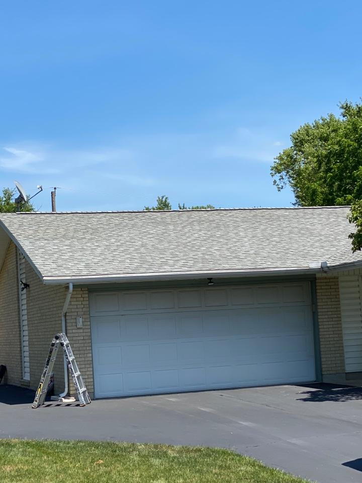 Bellbrook, OH - Full roof replacement using CertainTeed Landmark shingles in Bellbrook, Ohio.