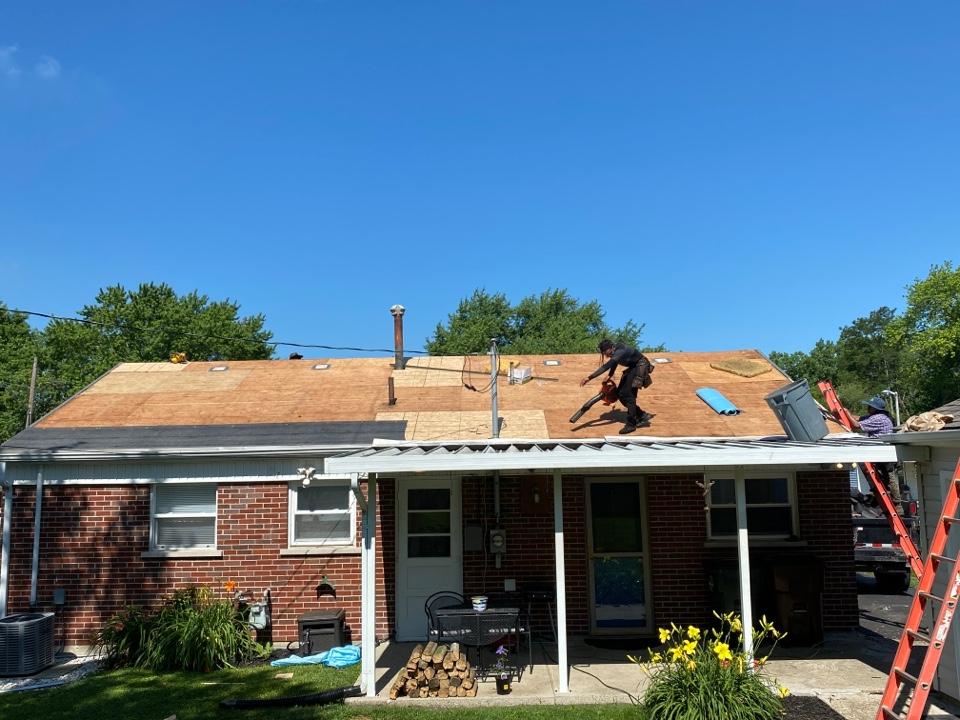 Fairborn, OH - 5 Star Certified CertainTeed Landmark shingle roof installation in Fairborn, Ohio.