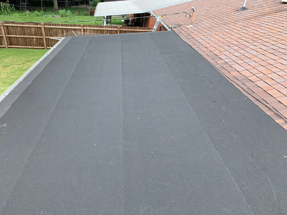 Miamisburg, OH - Rolled flat roof installation in Miamisburg, Ohio.